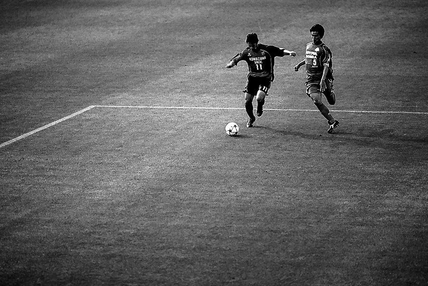 Football players running