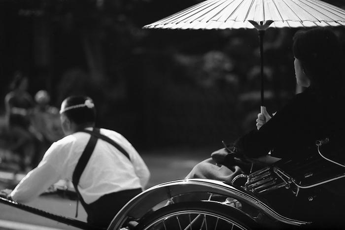 Rickshaw Was Sweeping Away (Kanagawa)