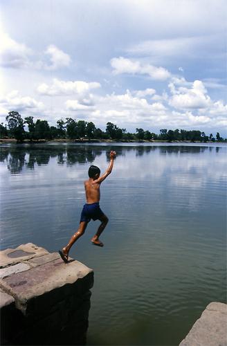 Jump Into Srah Srang @ Cambodia
