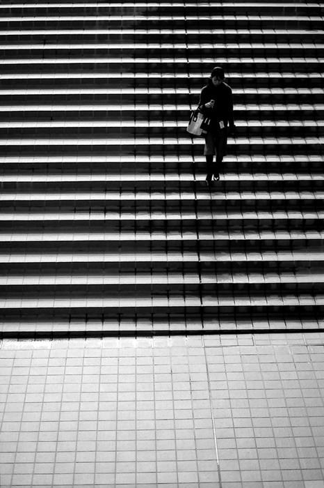 figure descending steps
