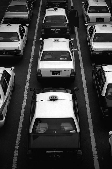 Perfectly-aligned Taxi (Ibaraki)
