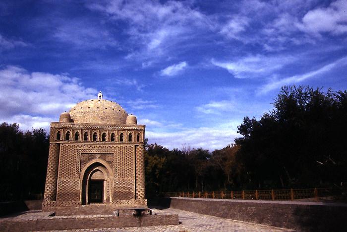 Samanid mausoleum
