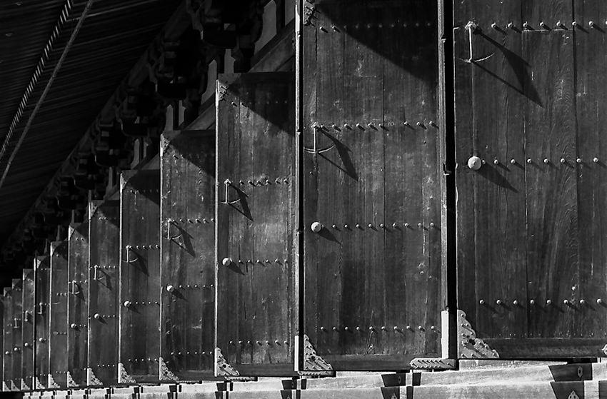 三十三間堂の扉