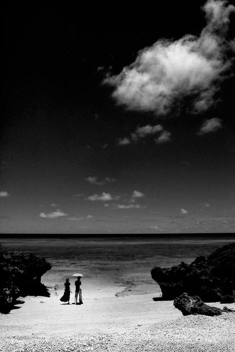 Couple in Pehama beach