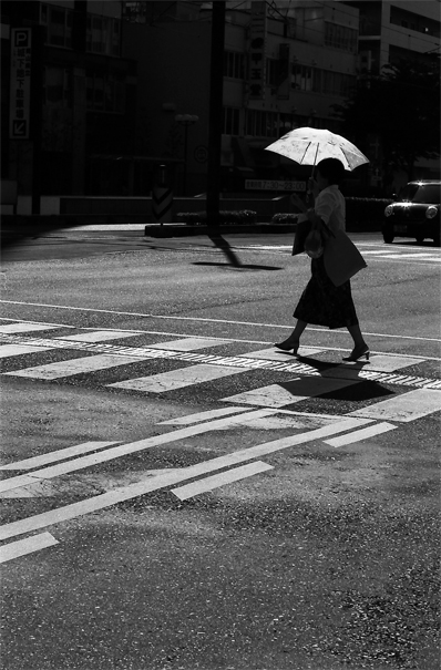 High-heeled Woman Walking With An Umbrella @ Okayama
