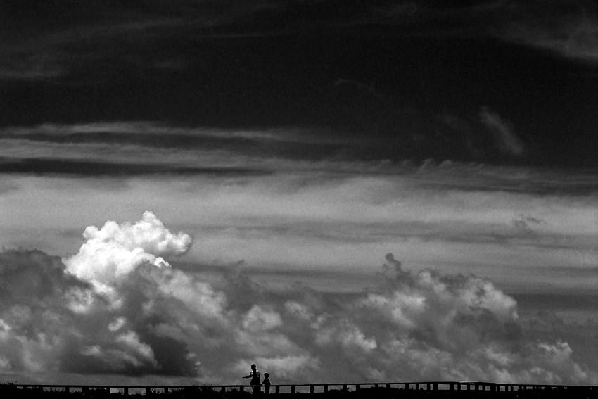 地平線のシルエット