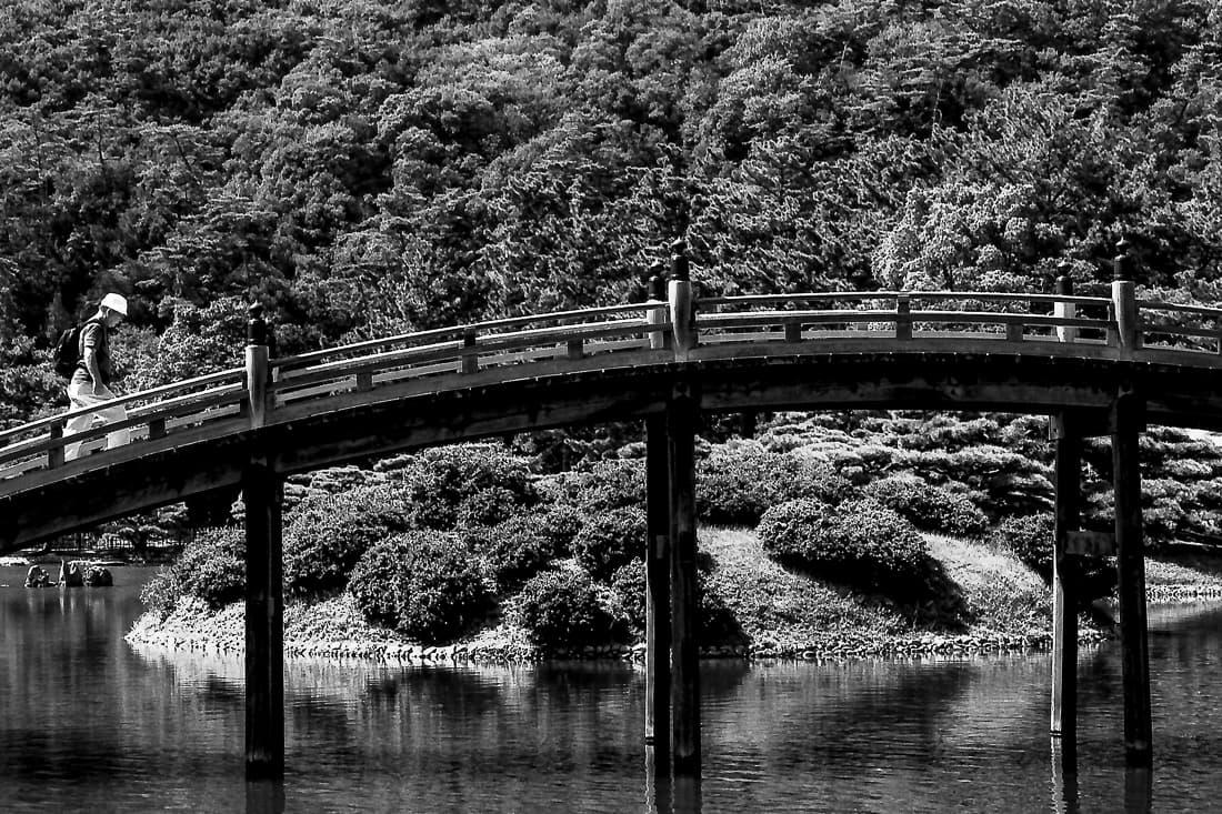 Engetsu-Kyo bridge in Ritsurin garden