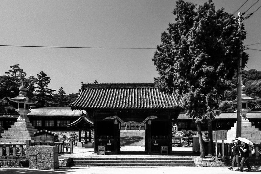 吉備津彦神社の随神門