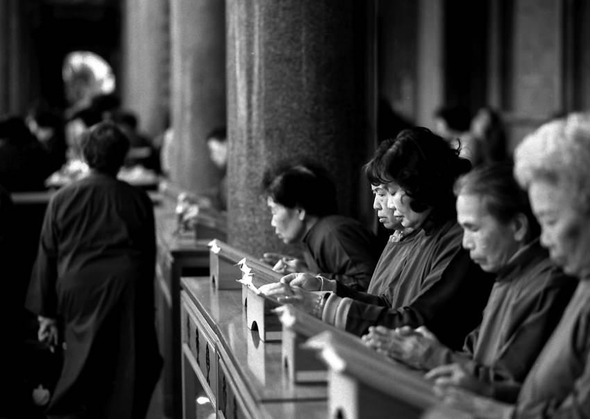 行天宮にいた女性信徒たち