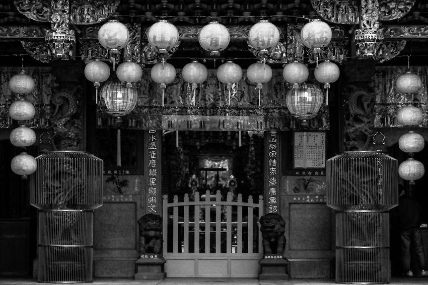 派手な寺院の入口