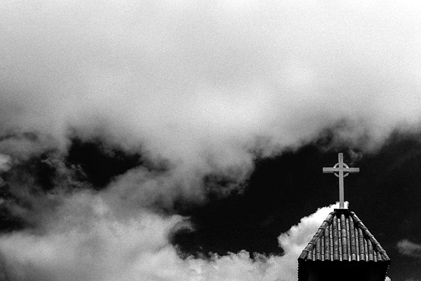 ケルト十字と雲