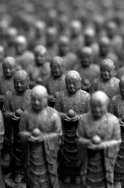 Cluster Of  Buddha Statues (Kanagawa)