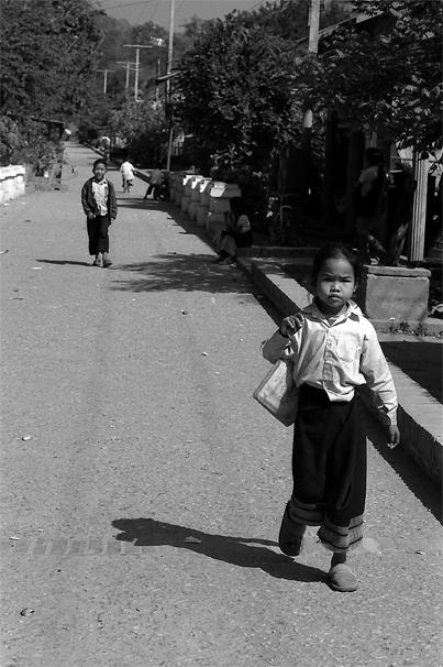 Little girl wearing Sing