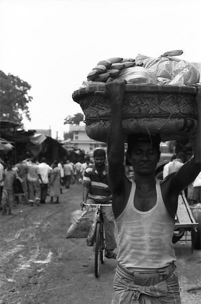 Head-loaded Big Basket @ Sri Lanka