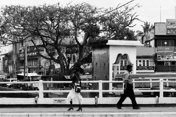 Passing Each Other (Sri Lanka)