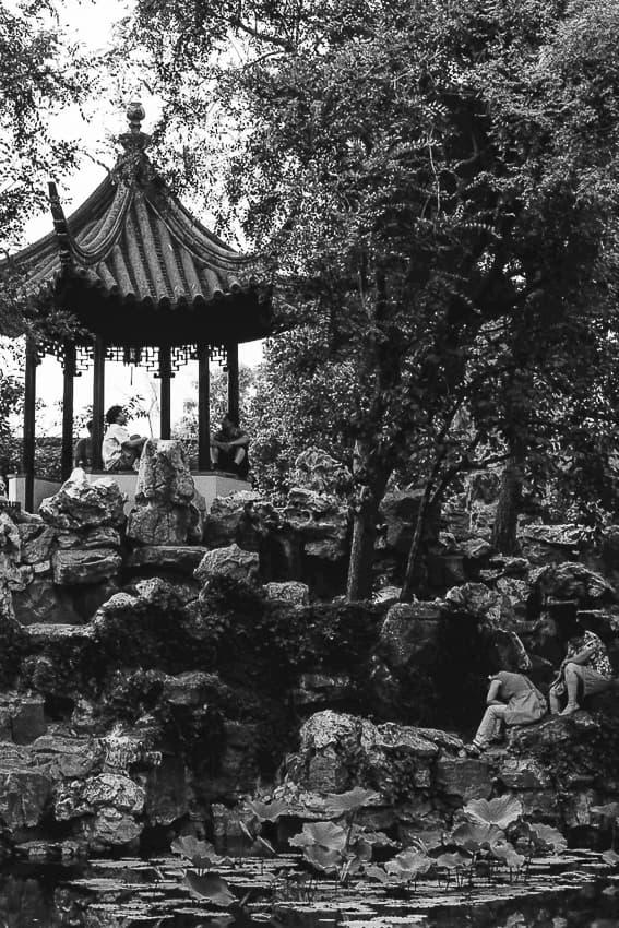 留園の東屋と太湖石