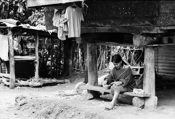 Woman Works Under The Floor @ Philippines