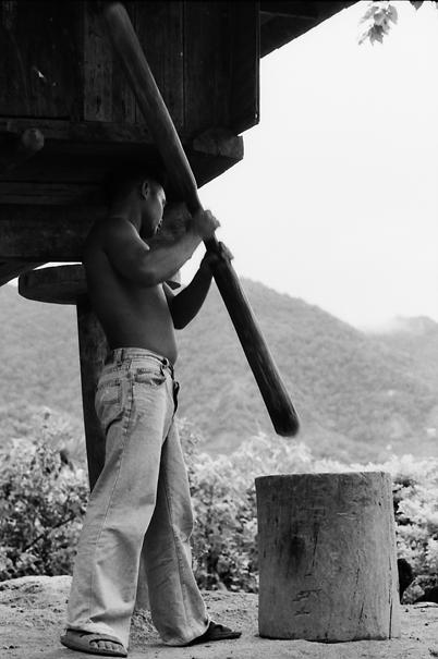 Threshing Man (Philippines)