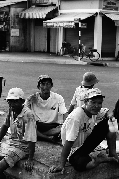 Unwinding Laborers (Vietnam)