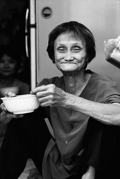 老婆の皺くちゃの笑顔