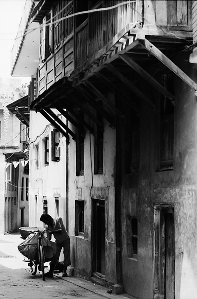 Mango seller with bicyce