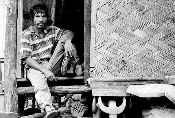 Sitting Man On The Eaves @ Philippines