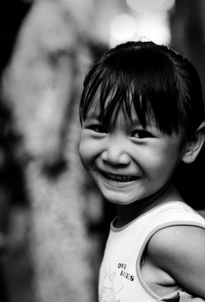 Girl Smiling Back (Vietnam)