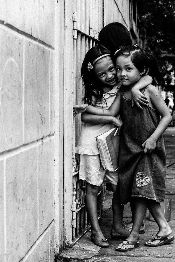 Precocious girls in Intramuros