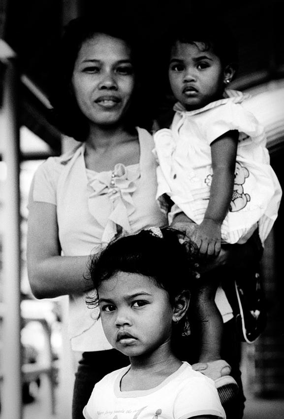 お母さんと二人の娘