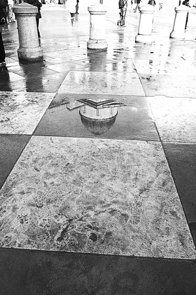 National gallery in puddle