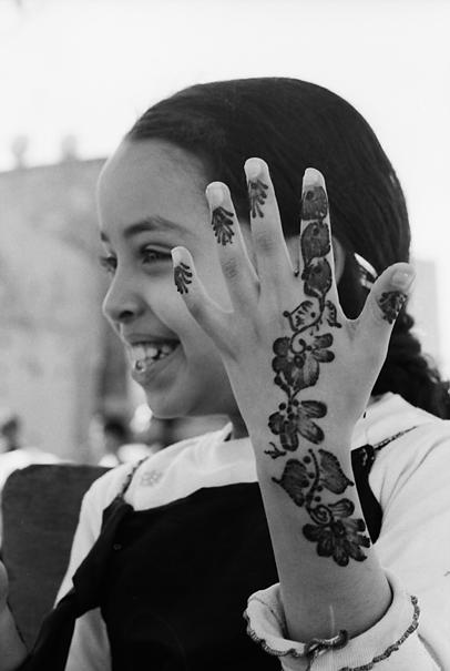 腕に描かれたヘンナ