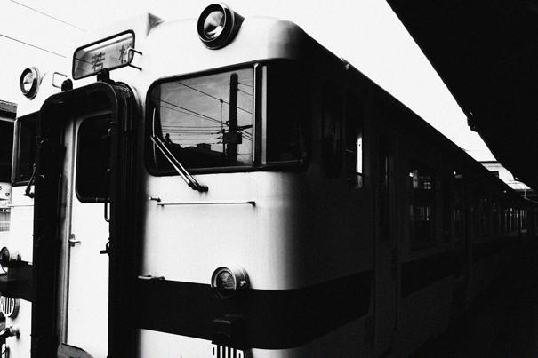 折尾駅の列車