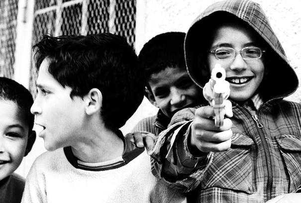 Kids And Gun (Morocco)