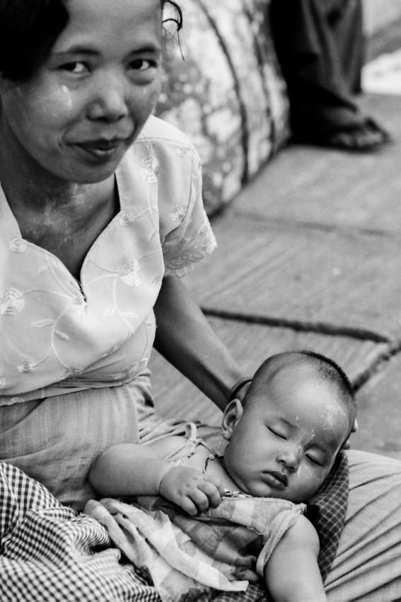 Baby sleeping on kees