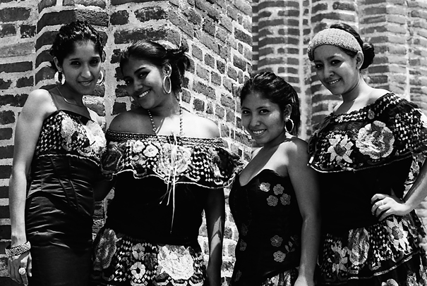 Dressed Ladies (Mexico)