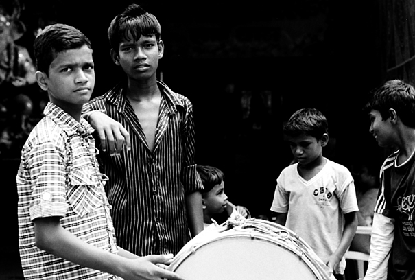 太鼓の練習をしていた男の子