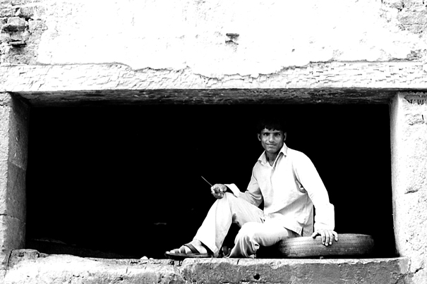 Man In The Hole @ India