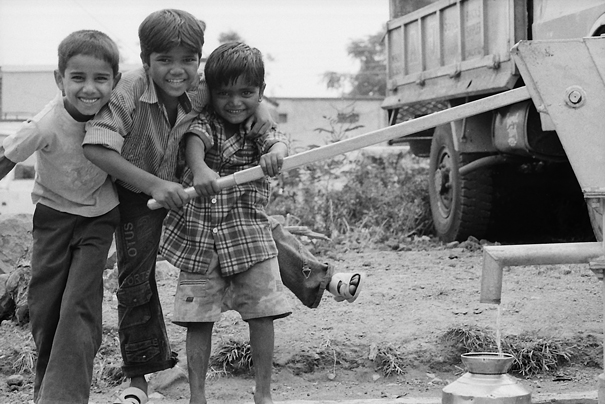 Three Boys And A Well (India)