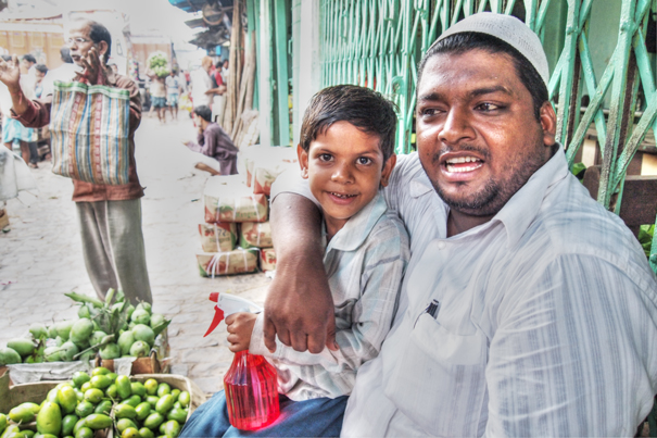 Father And His Son Selling Fuits (India)