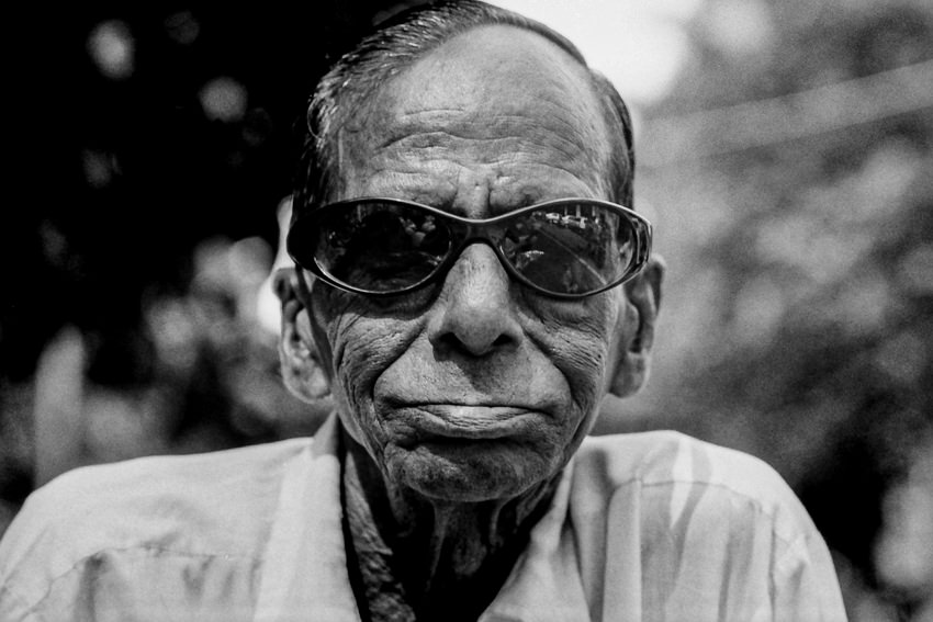 Old man wearing sunglasses