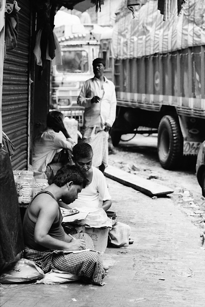 Men Works By The Wayside (India)