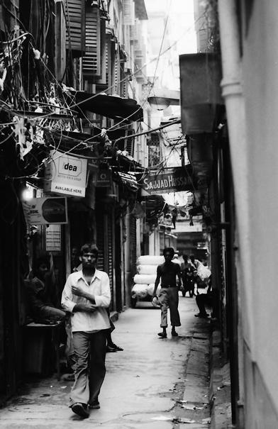 Dim lane in Kolkata