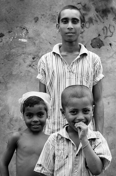 Tall Boy And Two Short Boys (India)