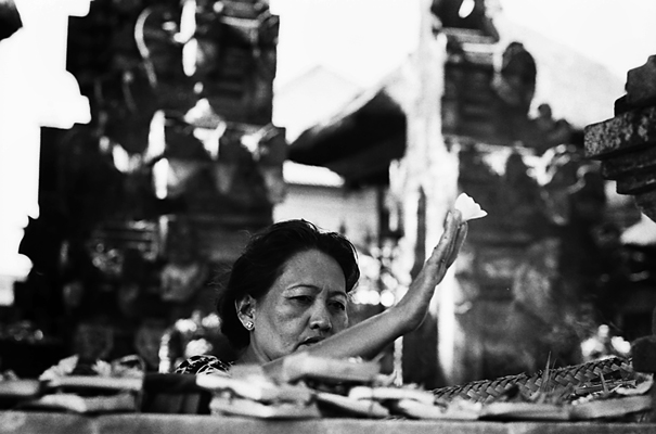 Offering Woman (Indonesia)