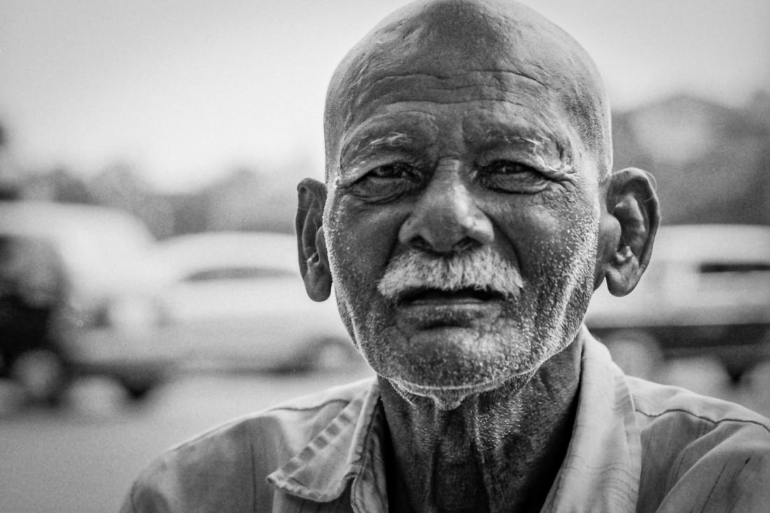 Old man with blank face