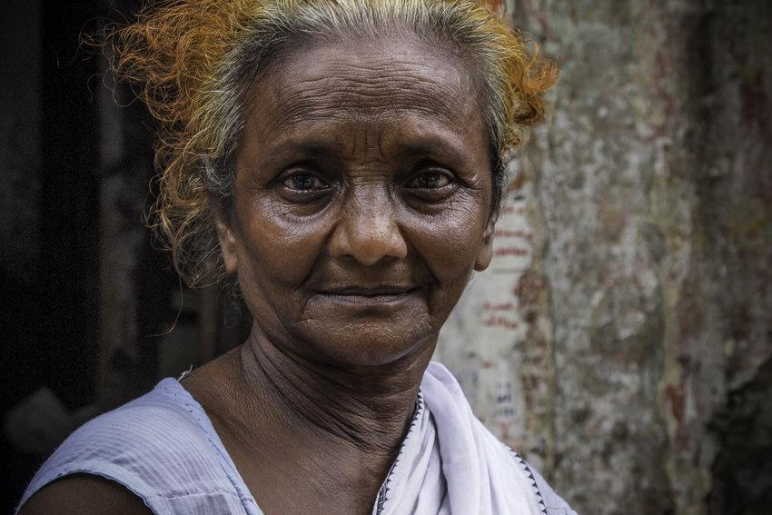 丸顔の老婆