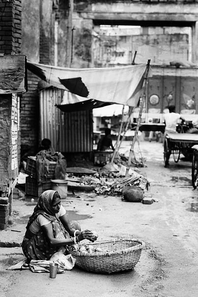 Woman In The Market @ India
