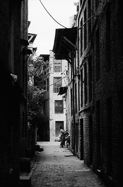 Dark Alley (Nepal)