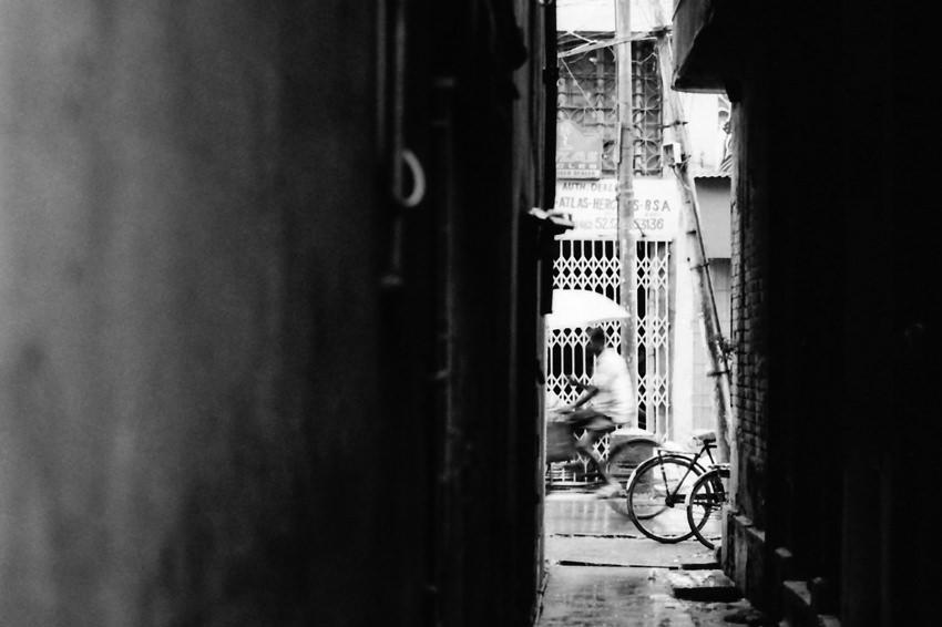 通り過ぎる自転車
