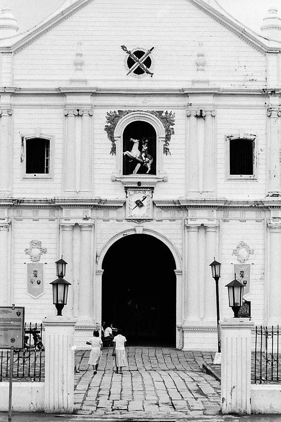 ビガン大聖堂の入り口